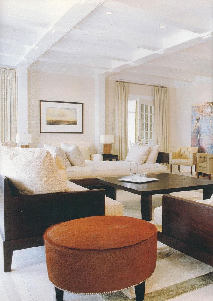 Hamptons estate betty wasserman art interiors for Hamptons living room designs